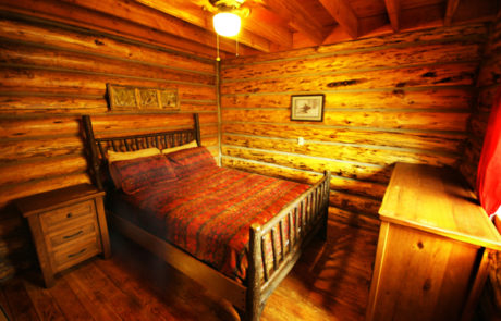 Montana Fly Fishing Cabin, Copper John Queen - Cabin on the Big Hole River