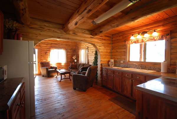 Salmonfly Cabin on the Big Hole River with a kitchen
