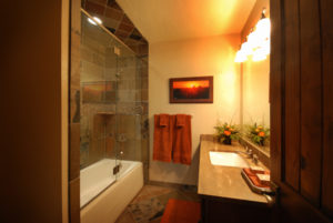 Luxury Resorts Montana, Equestrian Suite Bathroom at the Silver Bow Club